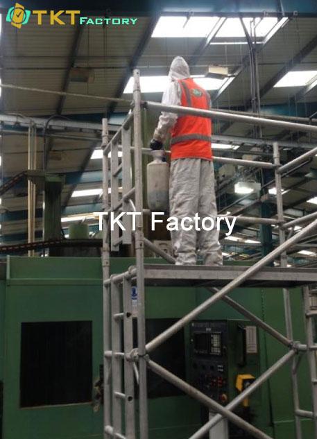 tổng vệ sinh nhà máy khu vực trên cao