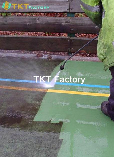 vệ sinh nhà xưởng khu vực sàn của TKT Factory