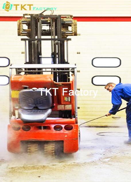 vệ sinh nhà xưởng tại TPHCM làm sạch thiết bị phụ trợ
