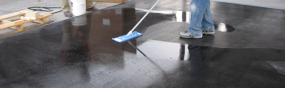 cách bôi hóa chất tăng cứng sàn bê tông đến khi bão hòa