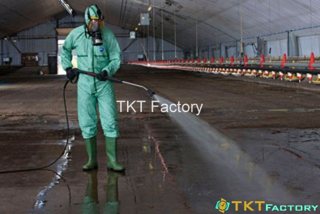 Làm sạch sàn nhà máy sản xuất thực phẩm