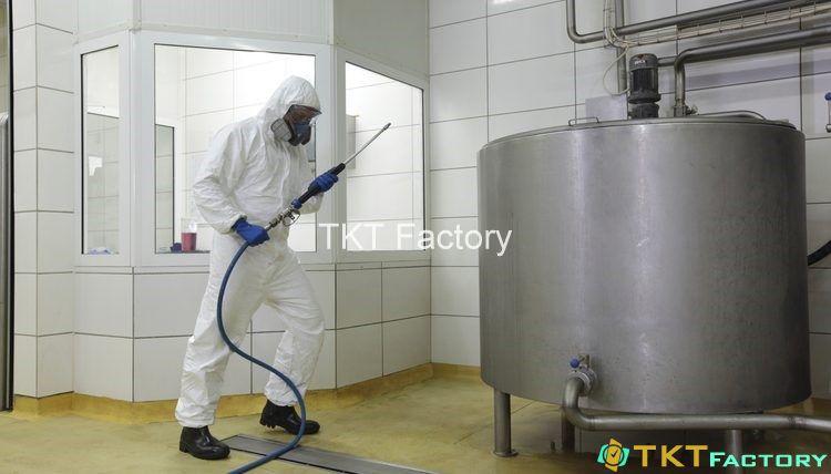Làm sạch tank chứa nhà xưởng