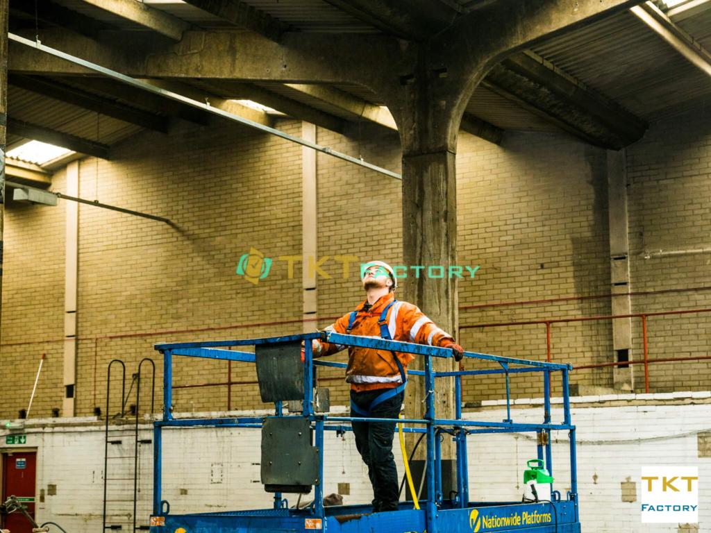 ve-sinh-tren-cao-tktfactory